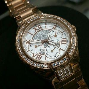 Guess Rose Gold Watch U0111L3